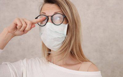¿Cómo evitar que las gafas se empañen por la mascarilla?